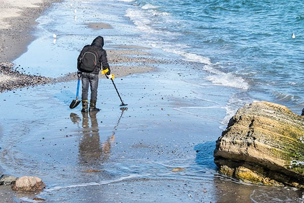 10 Best Metal Detector Reviews and Recommendations